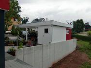 Flachdach-Carport mit verputztem Geräteraum , Farbwahl nach Bauherrenwunsch