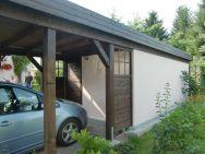Flachdach-Carport nach Bauherrenwunsch mit Gartenhaus Trendy von rechts