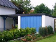 Garagen-Carport-Kombination in Adelsberg bei Chemnitz aus Stahl, farblich an Wohnhaus angepasst