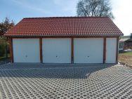 Satteldach-Garage Leipzig Trendy mit Nebentür vorn